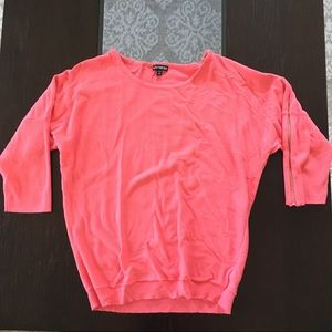 🎉(5 for $8) pink Express short sleeve sweater